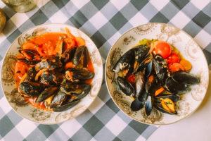 Frisch auf den Tisch: Fisch und Muscheln im Restaurant Castello Angelo Buckow